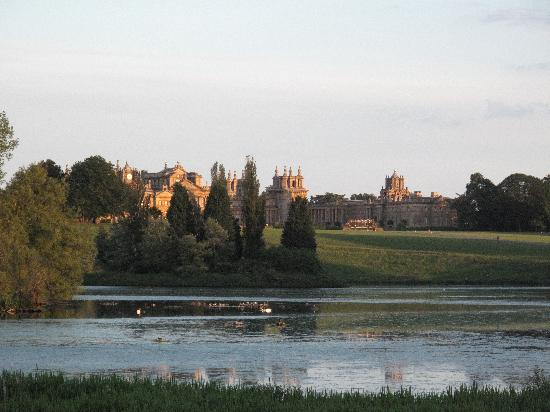 blenheim-palace-view